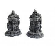 Ziterdes: Dwarf statues with hammer